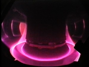 Gaz sous forme de plasma dans le tore d'une centrale à fusion nucléaire.