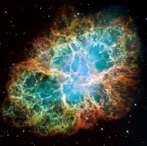 La nébuleuse du Crabe est le rémanent de la supernova SN 1054 qui a été observée par un astronome chinois entre l'an 1054 et 1056. Au centre persiste le pulsar du Crabe. (Crédit: NASA)
