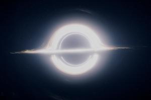 Représentation virtuelle d'un trou noir. (Extrait du film Interstellar)
