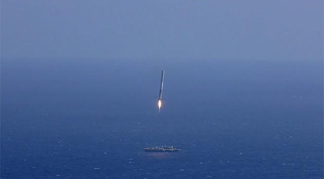 Arrivée de Falcon 9 sur sa plateforme d'atterrissage, pour récupération et reconditionnement. (Crédit: SpaceX)