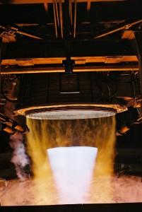 Test du moteur Vulcain de seconde génération. (Crédit: ESA)